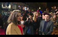 """Brad Pitt e Marion Cotillard participam da estréia em Paris de """"Allied"""""""